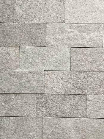 Kamenný obklad Gneis/Rula K4 - pásiky 10x5-25cm