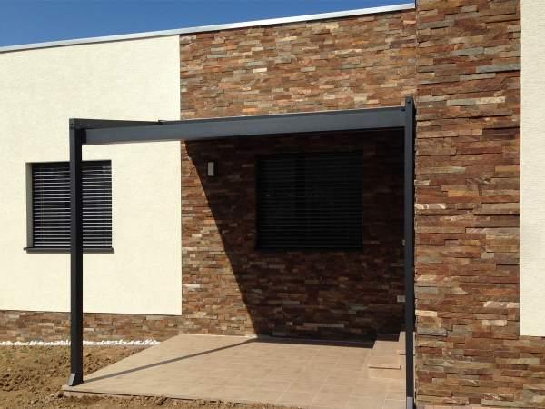 Kamenny obklad G5 - pasiky 5cm na fasade domu